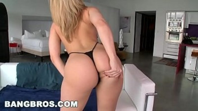 PAWG Alexis Texas Has a Fat and Juicy White Ass