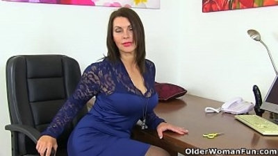 British milf gets creamy for her dildo