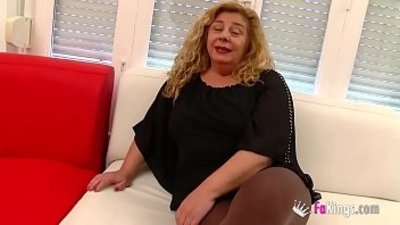 Chubby MILF has a threesome session with Ainara and Jordi cause she wants to feel young again