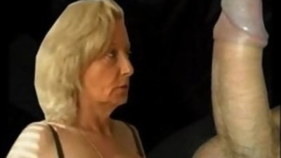 Granny gives blowjob and gets fucked