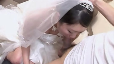 Sweet japanese woman emi koizumi swallows a hairy dick