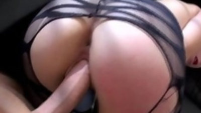 Squirting emo chick getting her pussy fucked and toyed close up