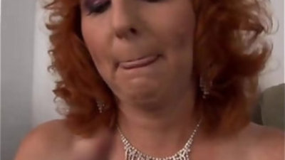 Ginger cougar is a squirter