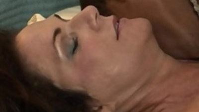 Hung Young Stud Fucks Mature Mommy Deauxma!