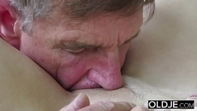 Old Young Porn Teen giving Blowjob Deepthroat and Cumshot After Pussy Fucking