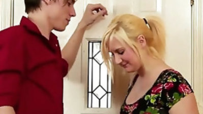 Fifi foxx fucks her brother aiden valentine that shes in love to play on cam with